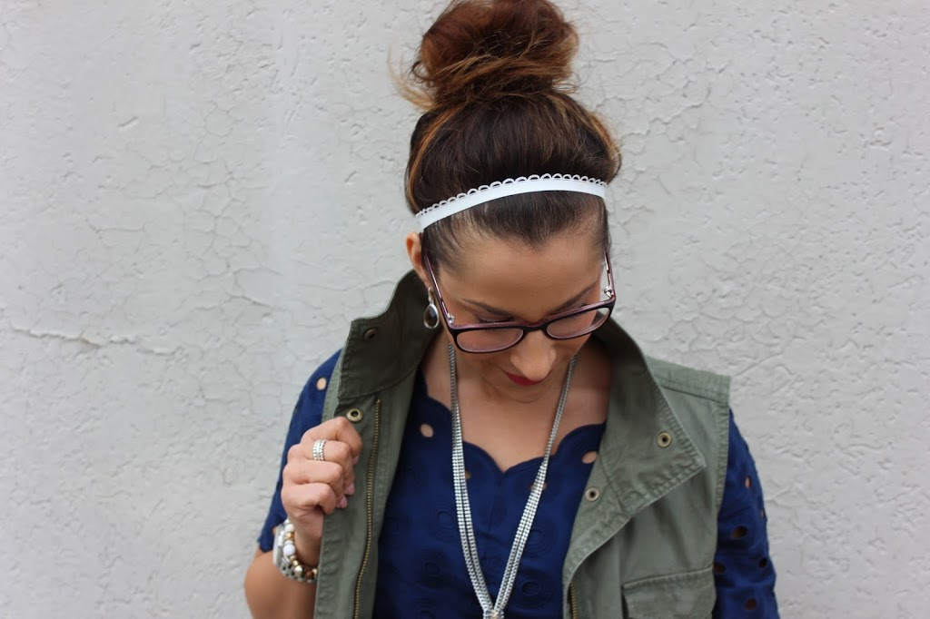 How to wear a messy top knot bun like a fashion blogger