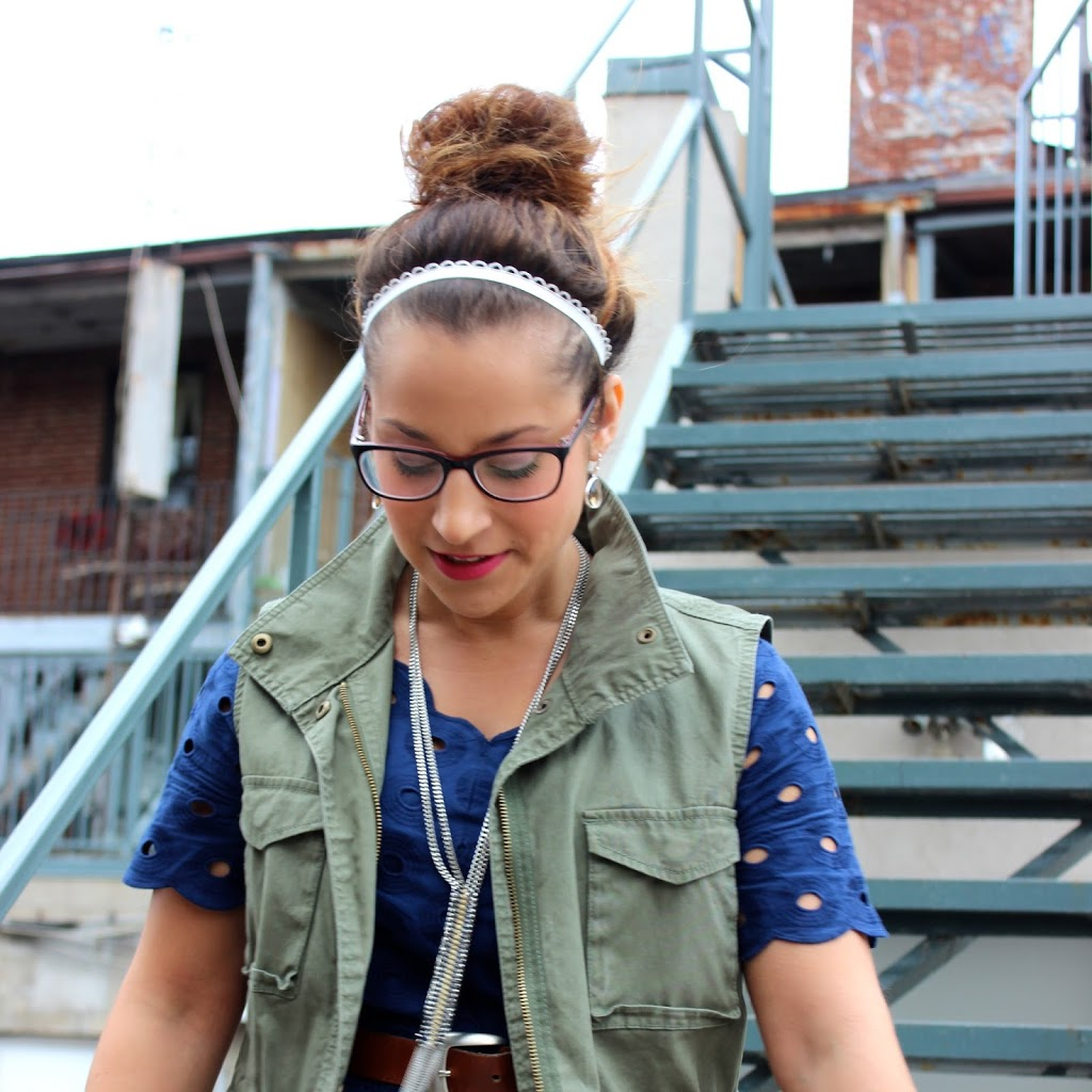 How to wear a Cargo or Utility vest from Old Navy