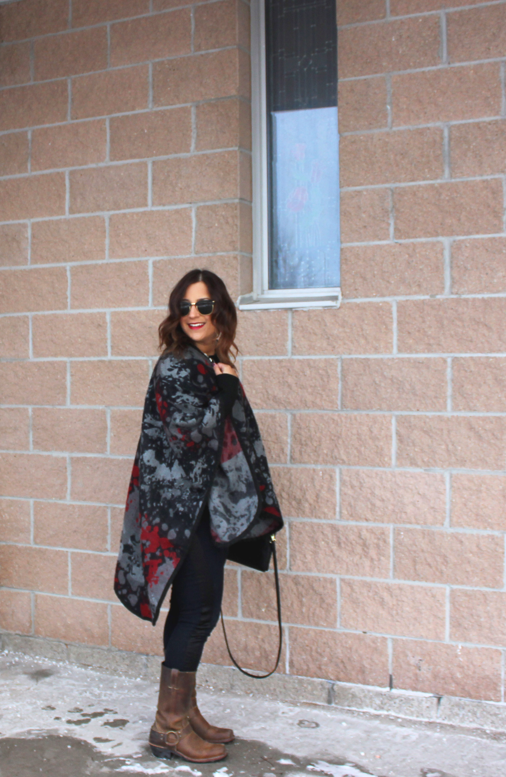 Easy fall and winter outfit - wear an oversized poncho, like Canadian Style blogger, Jackie Goldhar