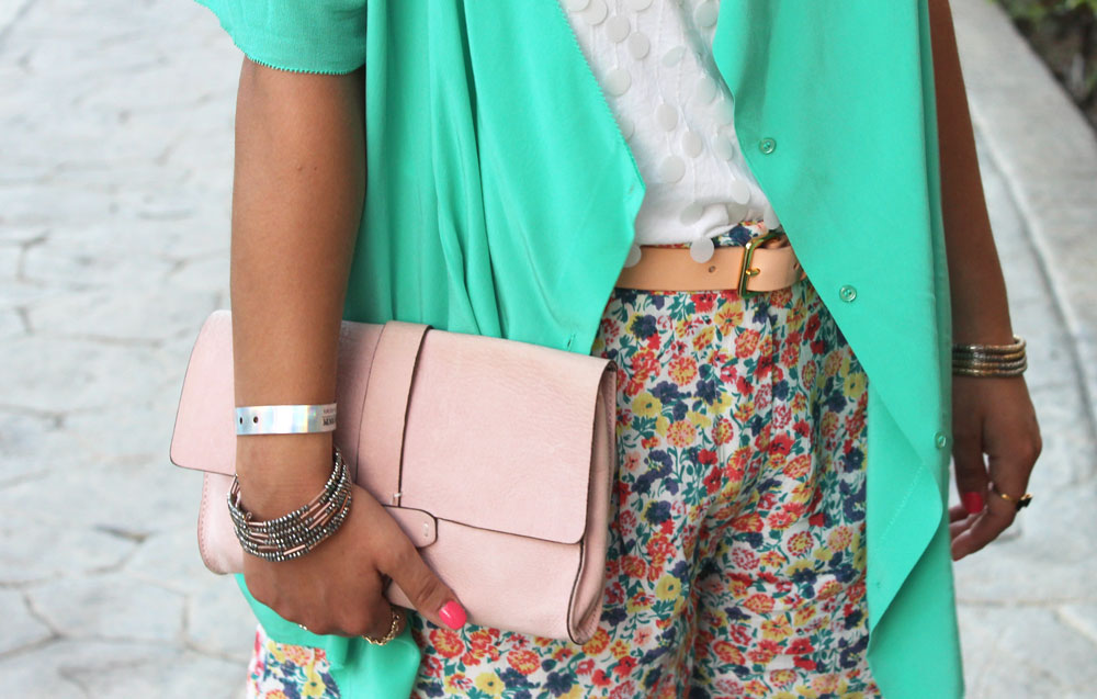 Fashion Blogger from Toronto, Canada - How to wear Floral Shorts on Spring Break or during summer