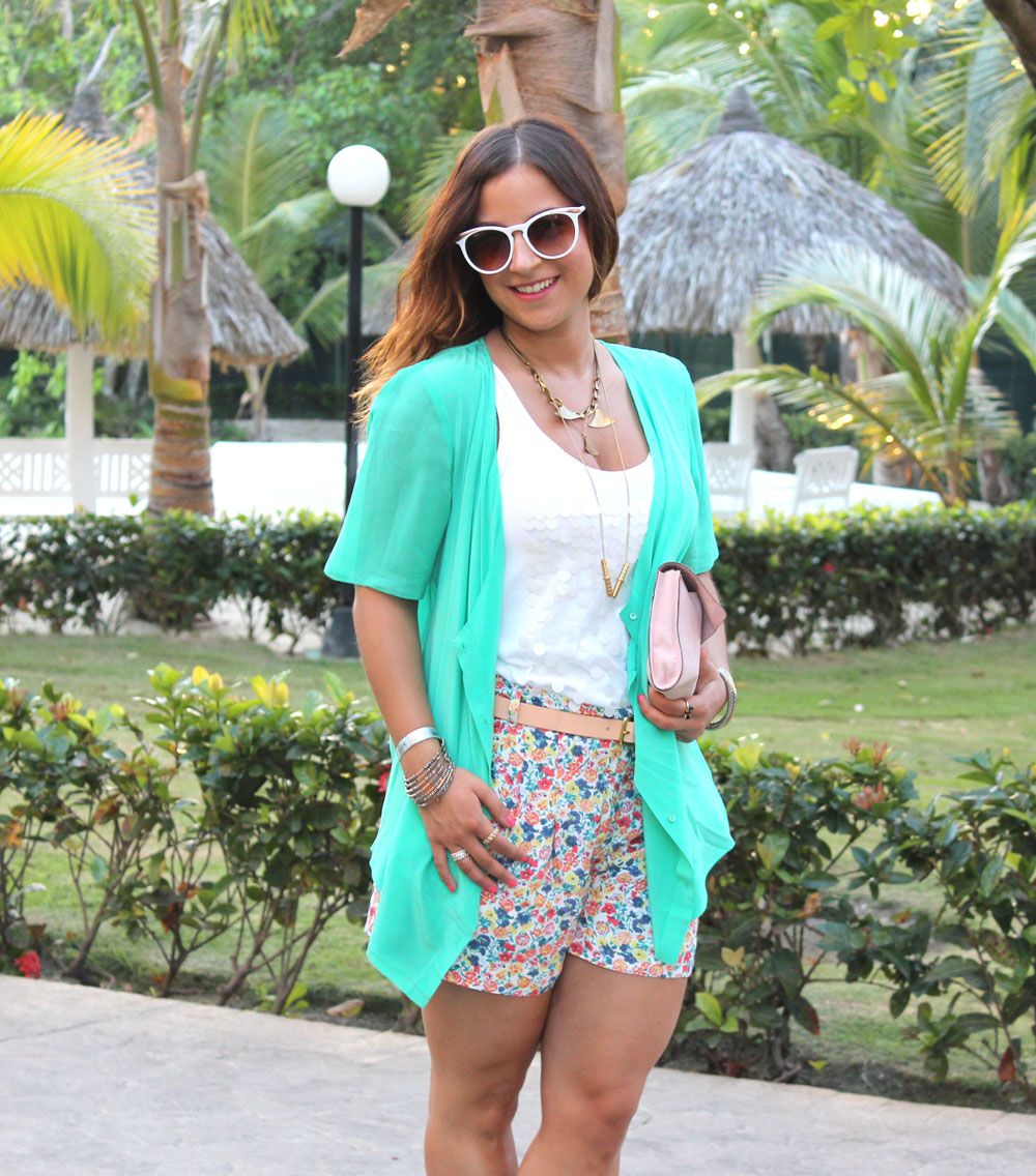 Spring Break Outfit - Floral Shorts and Mint