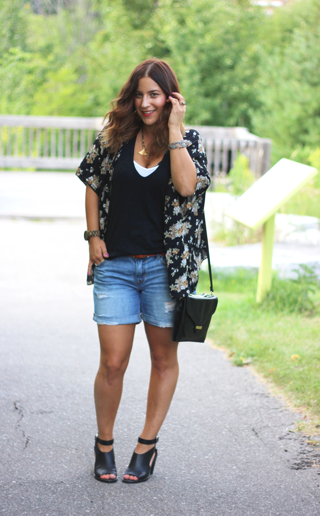 shopping my closet for fall florals - floral kimono and boyfriend shorts