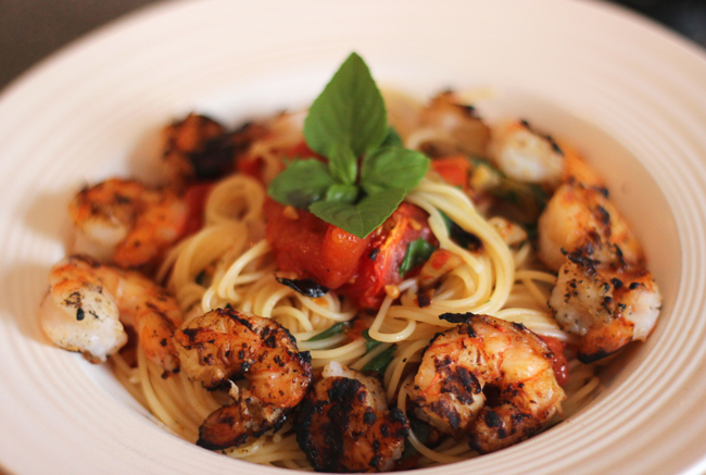 Roasted tomatoes with pasta and shrimp