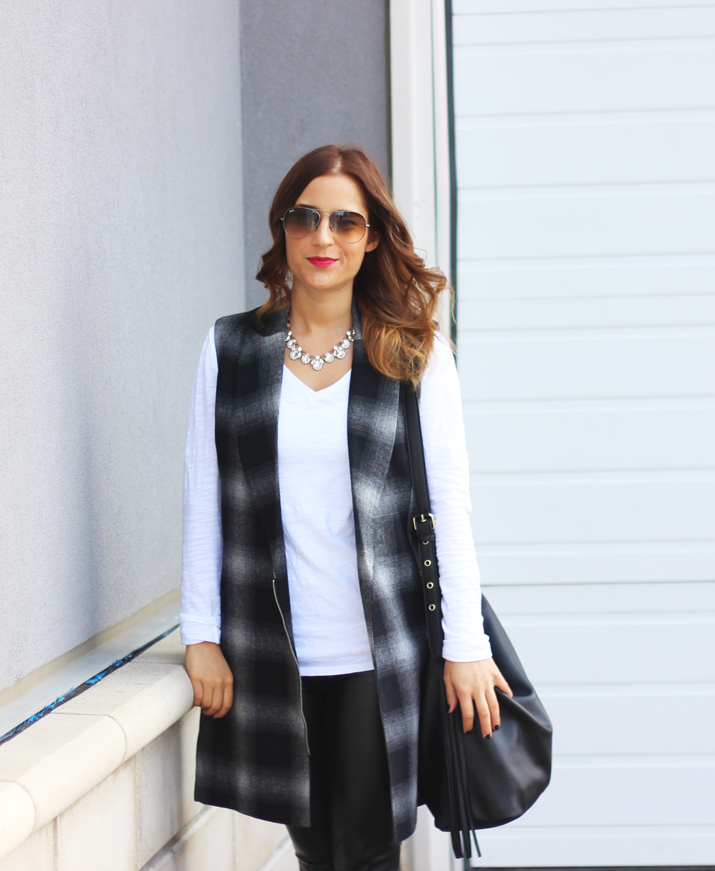 Toronto fashion blogger wearing Olive + Piper firefly crystal statement necklace