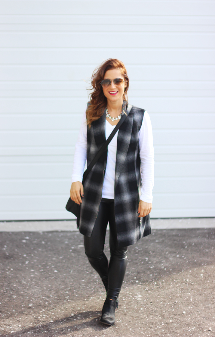 Longline vest and Aritzia Daria leggings - easy outfit idea
