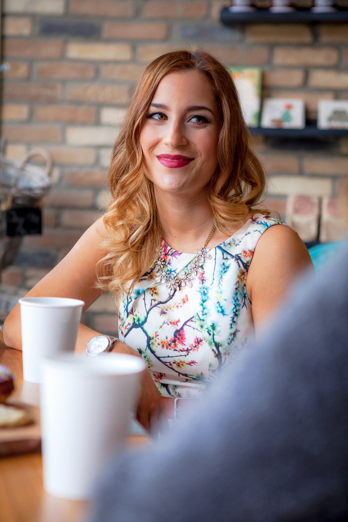 Toronto fashion and lifestyle bloggers having coffee at Nutmeg bakery, in Newmarket