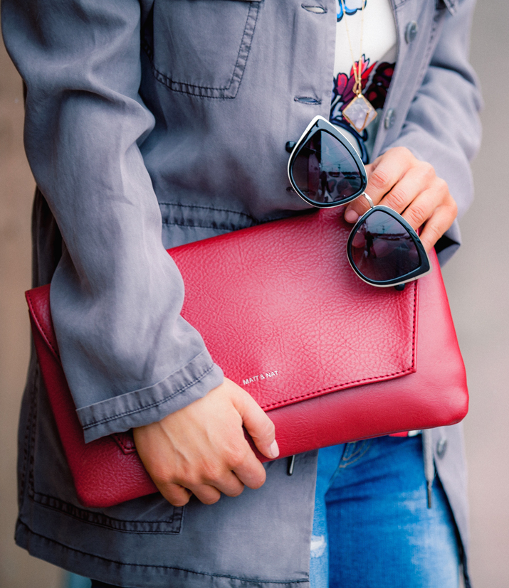 Statement clutch and cat eye sunglasses - accessories you need to have