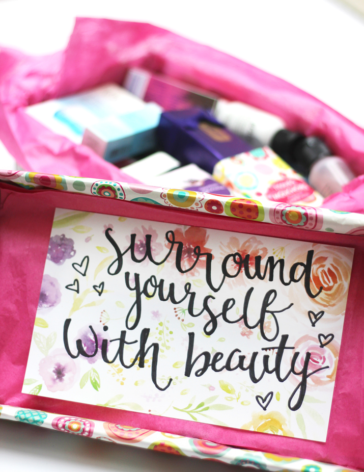 Handlettered Inspirational Quote - Surround yourself with beauty