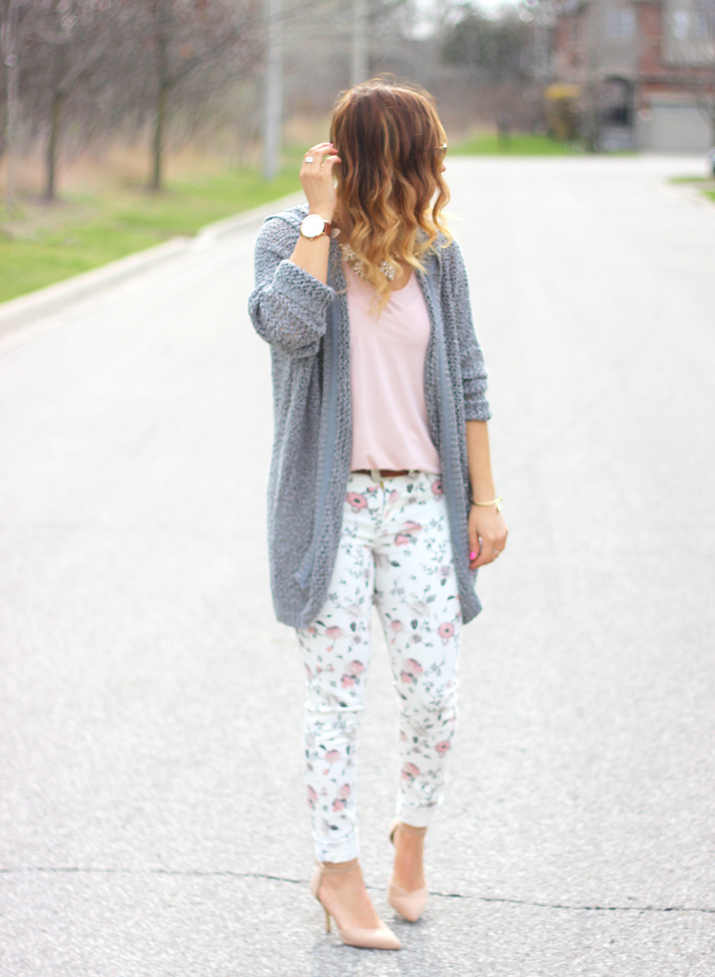 Canadian fashion blogger - street style inspiration - oversized cardigan and skinny jeans