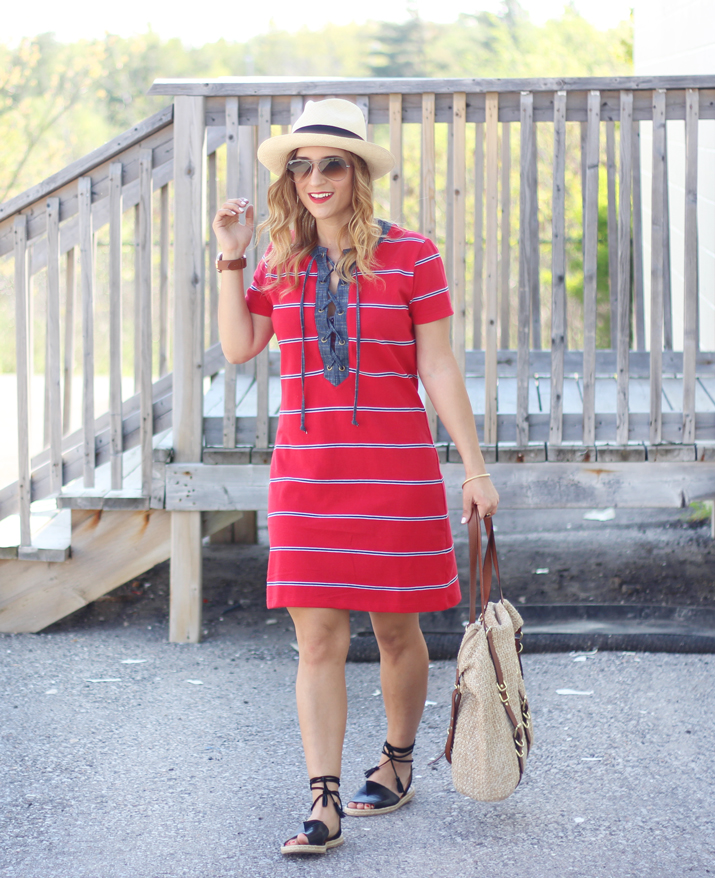 How to wear a shift dress for summer - As seen on Canadian Fashion Blogger Jackie Goldhar