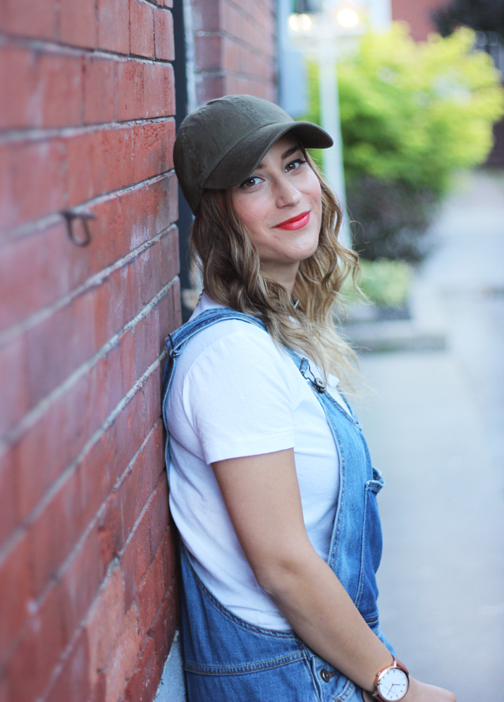 Canadian fashion and lifestyle blogger, Jackie Goldhar