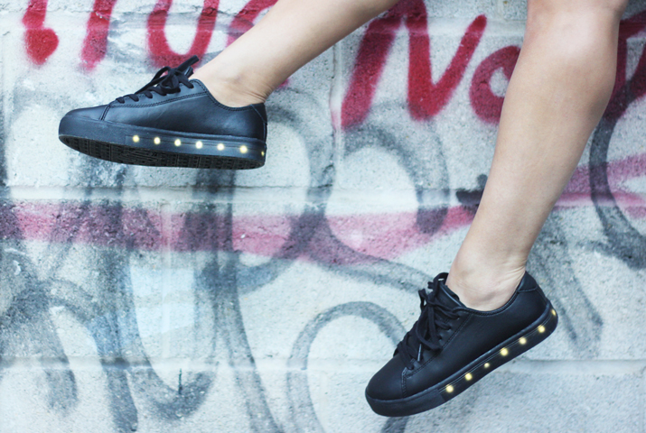 POP Light up Leather Sneakers
