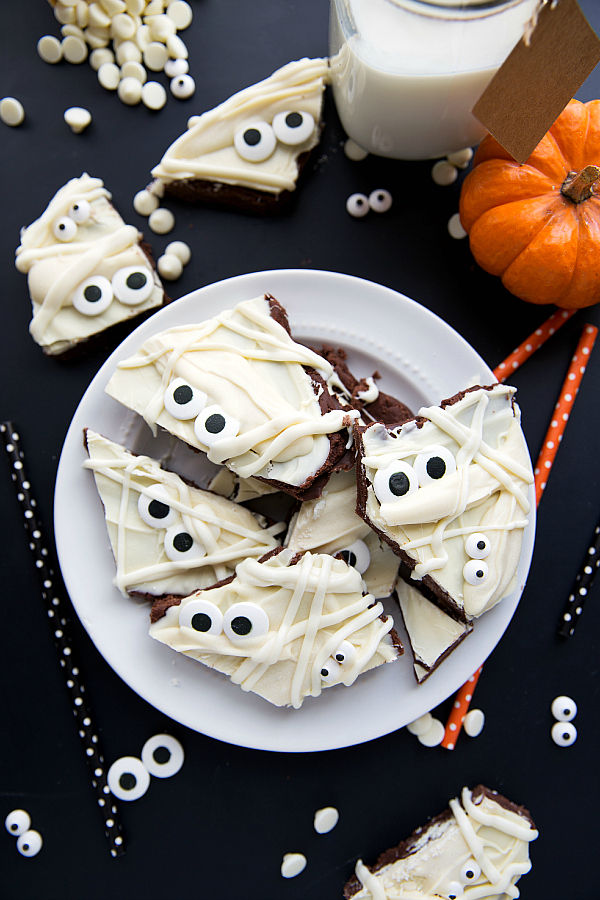 Halloween Dessert idea - Easy Mummy Brownie Batter Bark