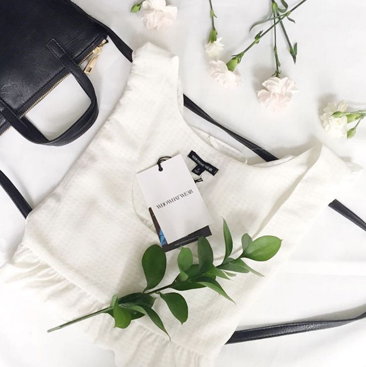 Tips from Canadian fashion and lifestyle blogger, Jackie Goldhar, for how to take better Instagram Flat Lay Photos