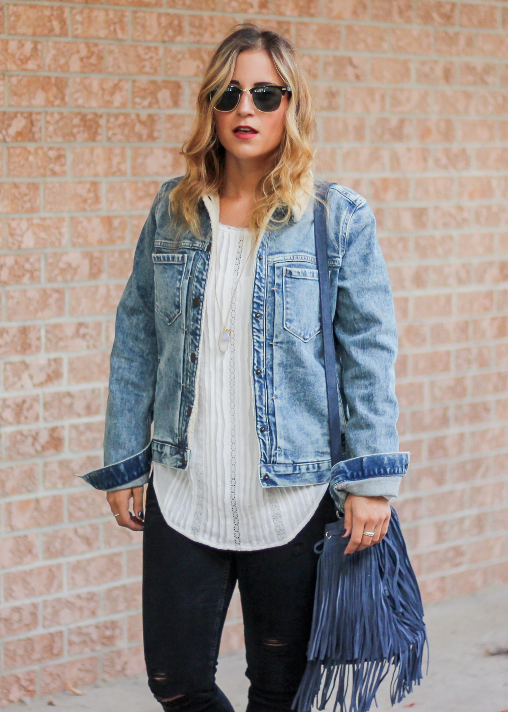 Gap 1969 Sherpa Denim Jacket, White Blouse and Ripped black Skinny jeans from Zara