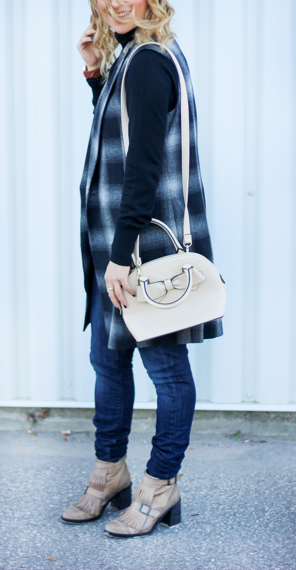 How to wear a turtleneck sweater - see how blogger, Jackie Goldhar, wears a merino wool turtleneck sweater from Gap