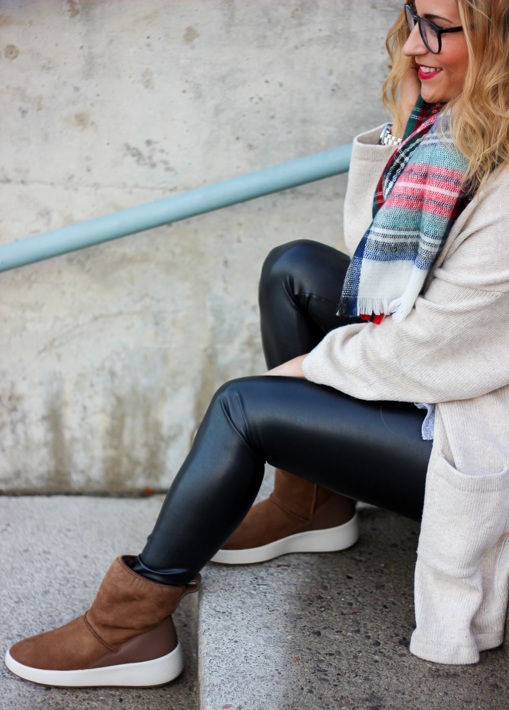 Cozy fall outfit idea, from Toronto fashion blogger, Jackie Goldhar, of Something About That