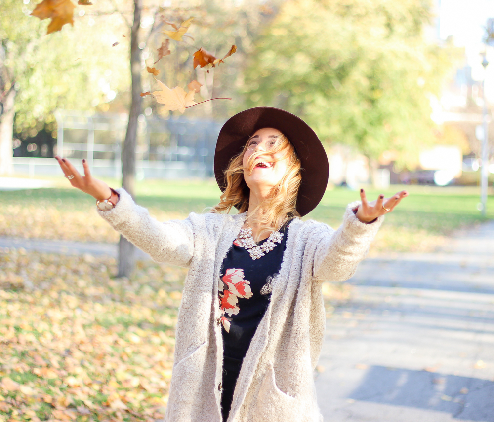 Canadian blogger, Jackie Goldhar, from Something About That, loving the fall leaves