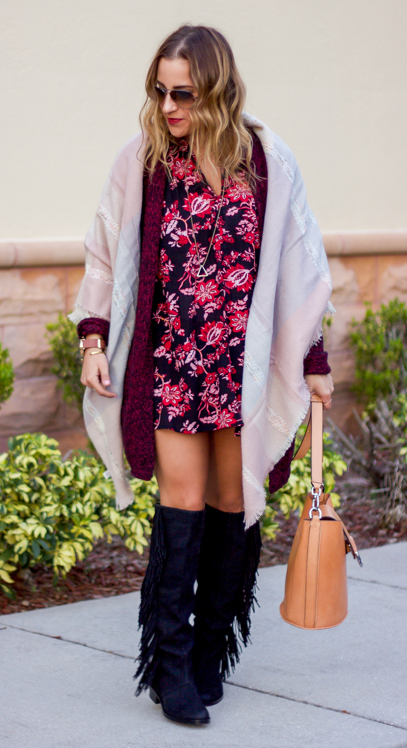 How to wear an oversized blanket scarf with a shift dress and oversized cardigan