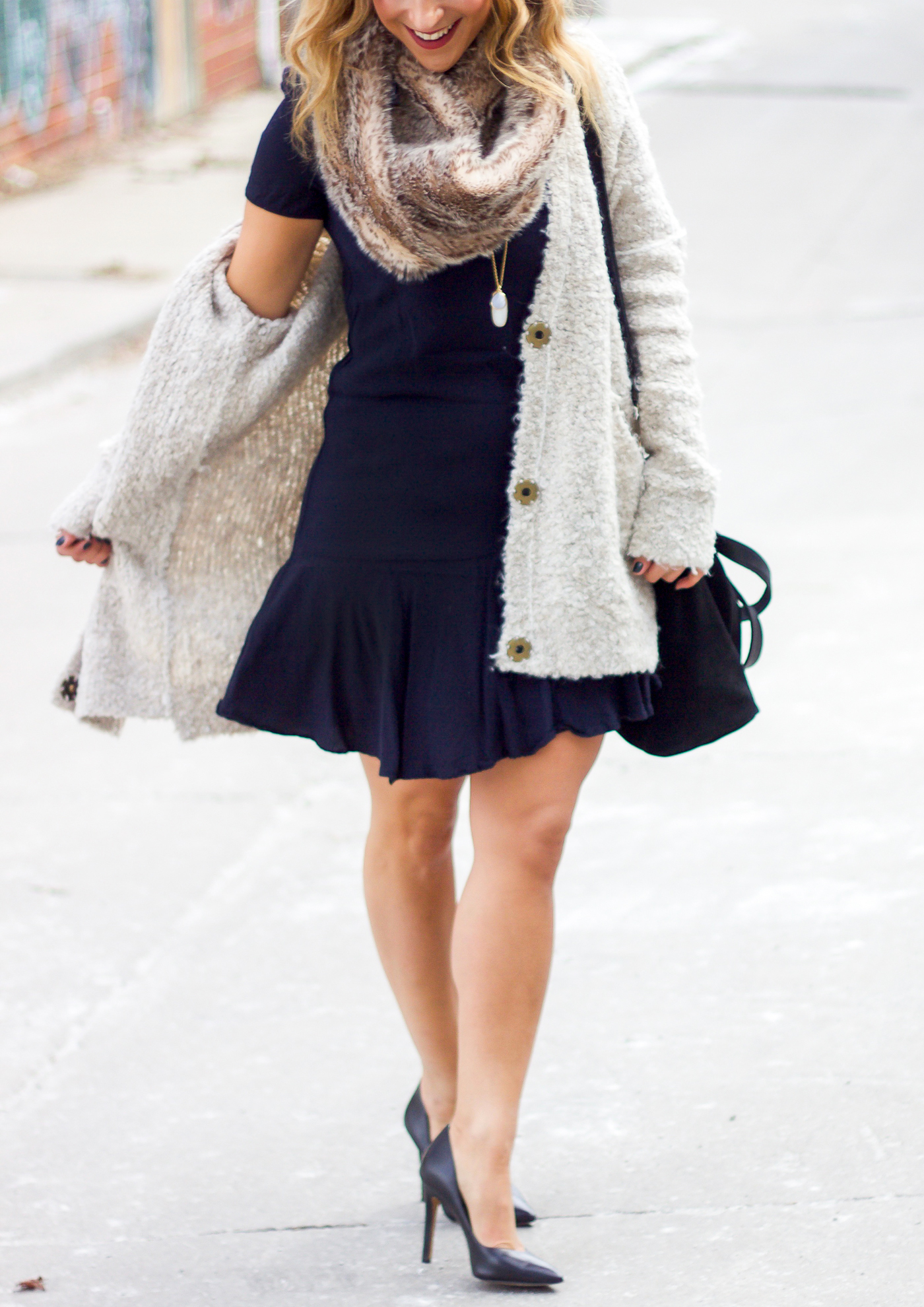 Canadian fashion and lifestyle blogger is wearing a Free People Cardigan, shift dress from Gap and faux fur scarf from Aerie