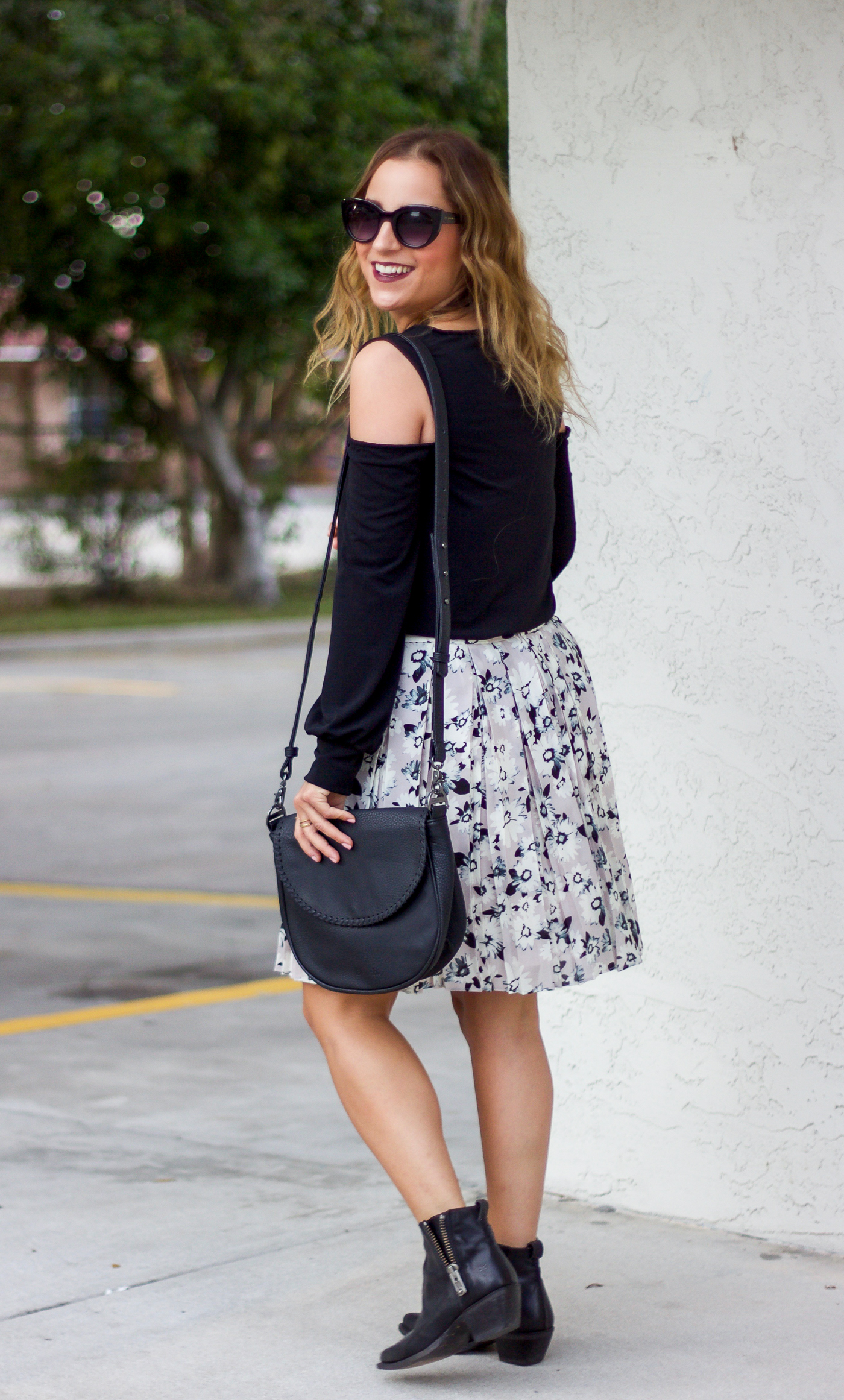 Canadian fashion blogger wearing a shirt from Express and a skirt from Banana Republic