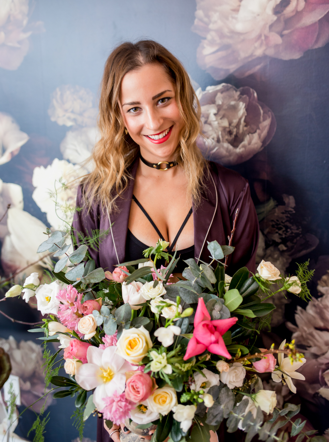 Toronto blogger photoshoot with Stole My Heart, sharing a floral arrangement from Wildnorth Flowers