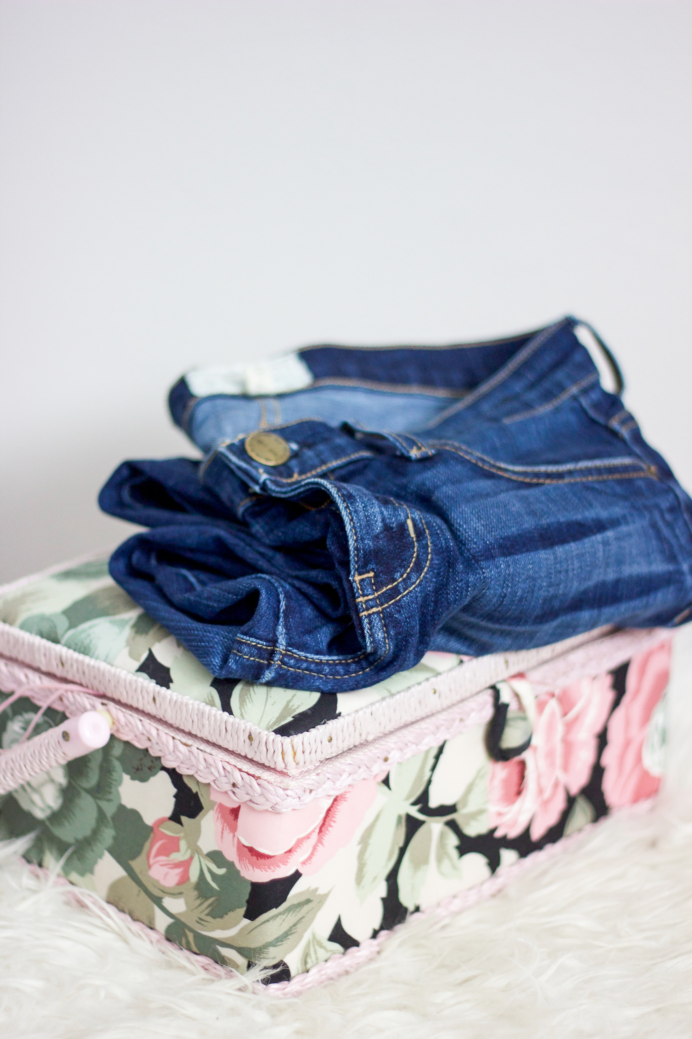 How to DIY step-hem jeans yourself with an easy and quick tutorial