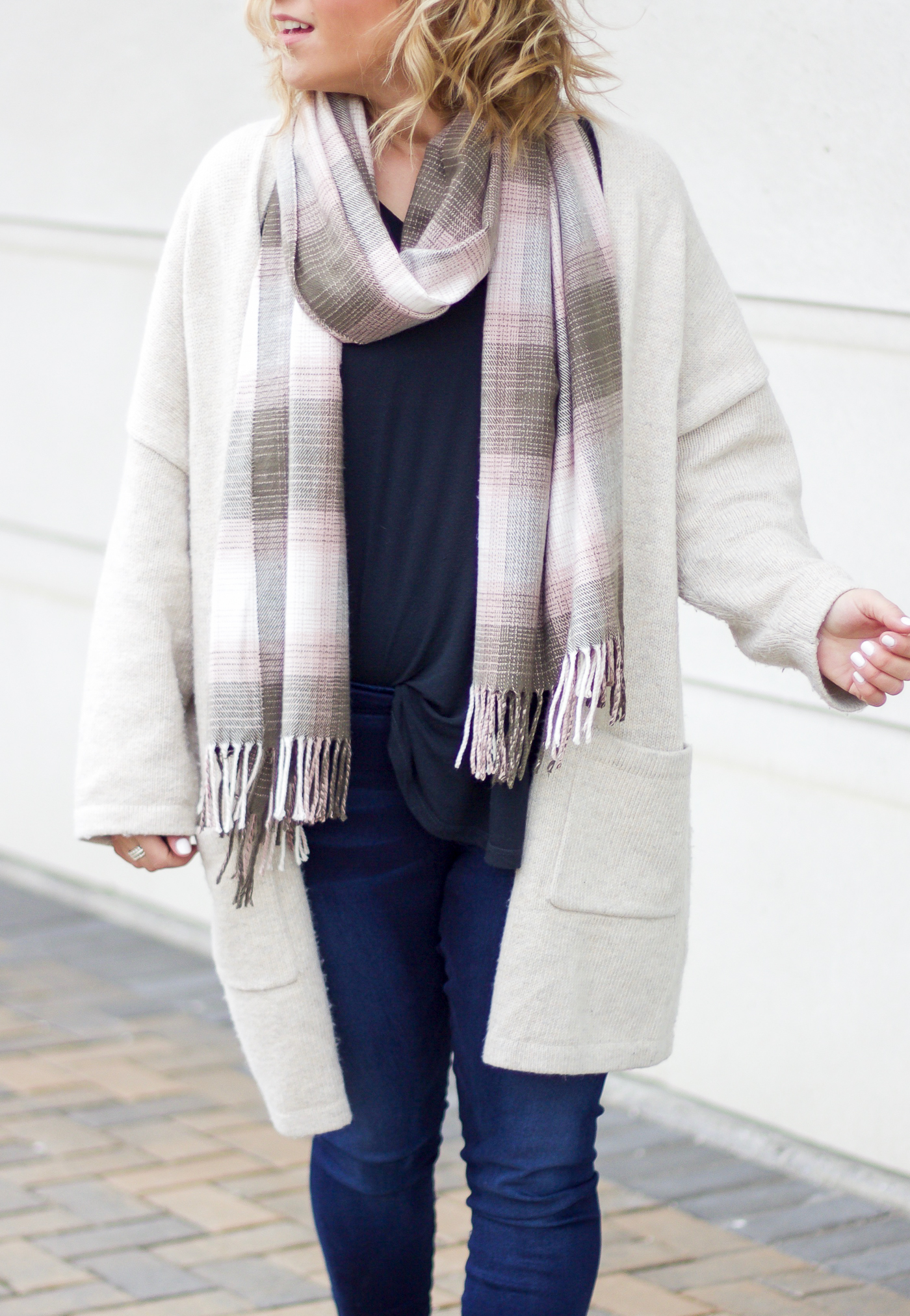 Toronto fashion blogger is wearing an oversized cardigan with pockets from The Gap
