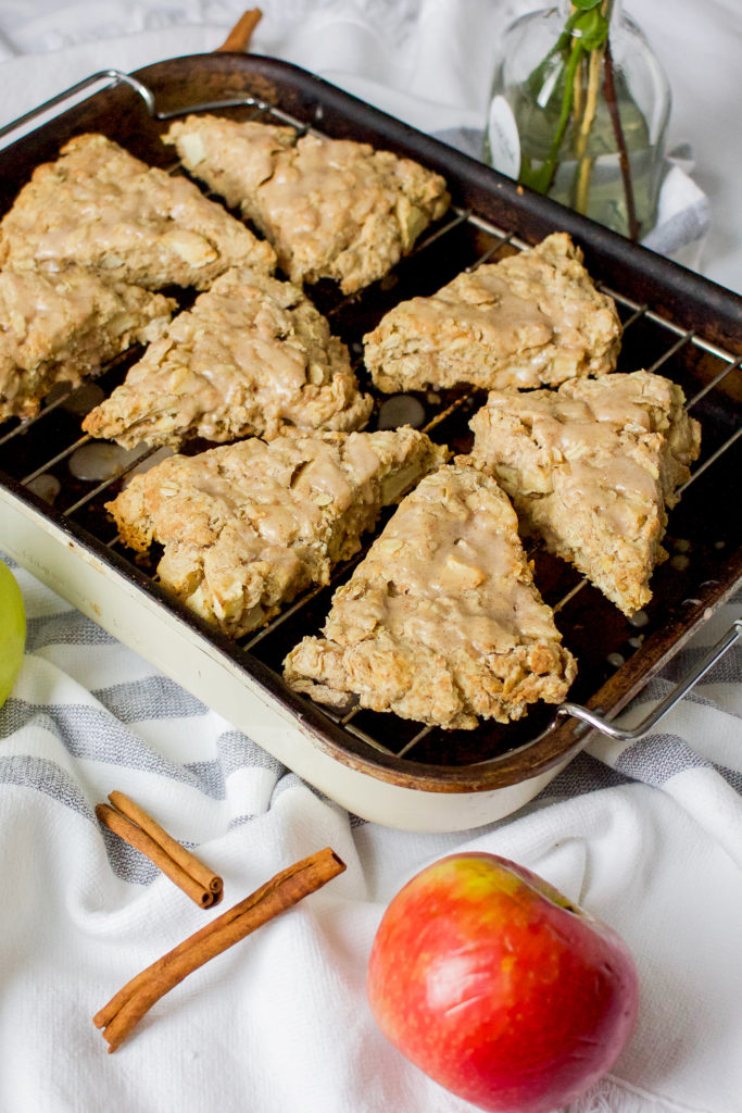 Canadian life and style blogger is sharing a video and recipe idea for oatmeal cinnamon apple scones