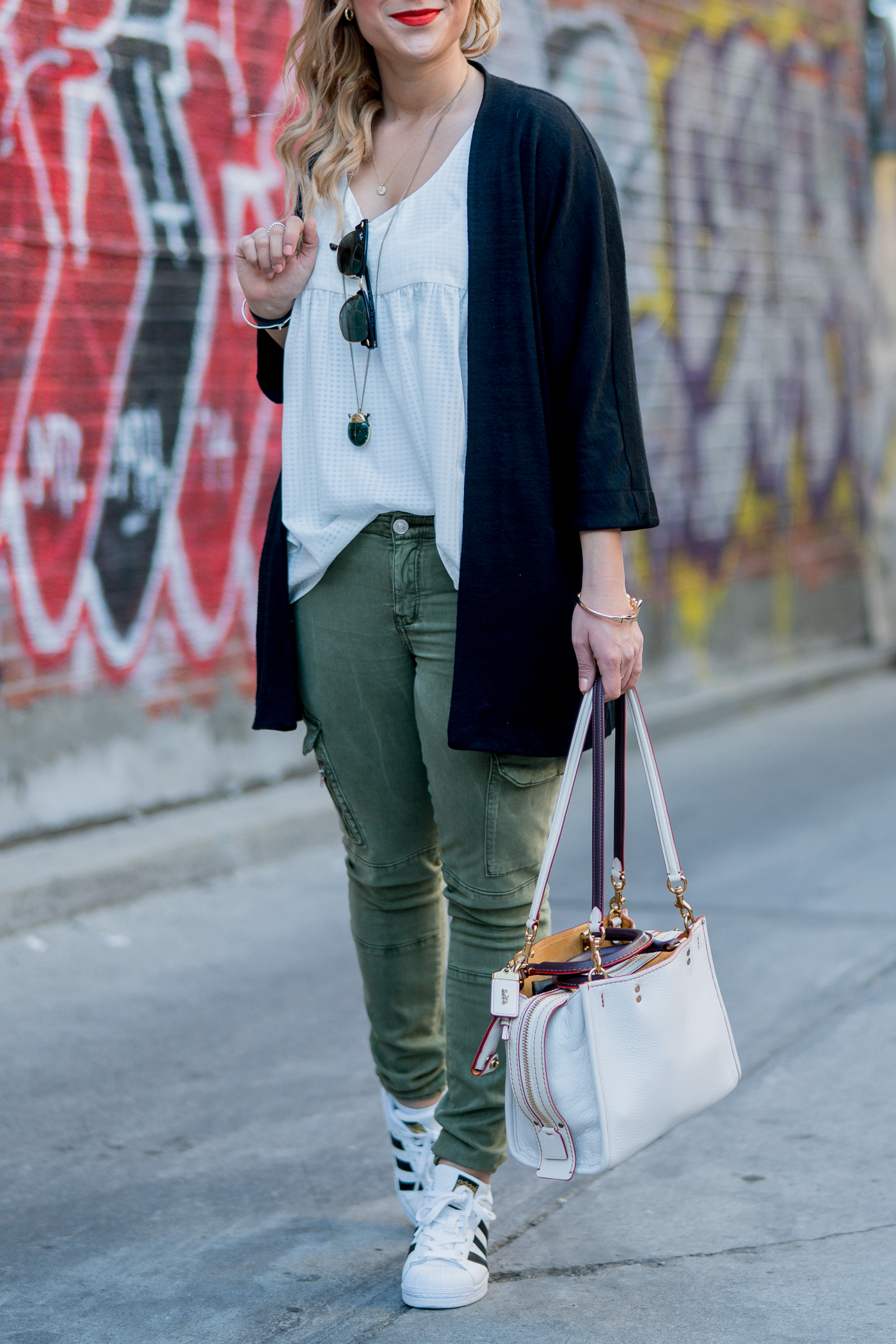 Canadian fashion blogger, Jackie of Something About That, wearing skinny cargo pants from Zara