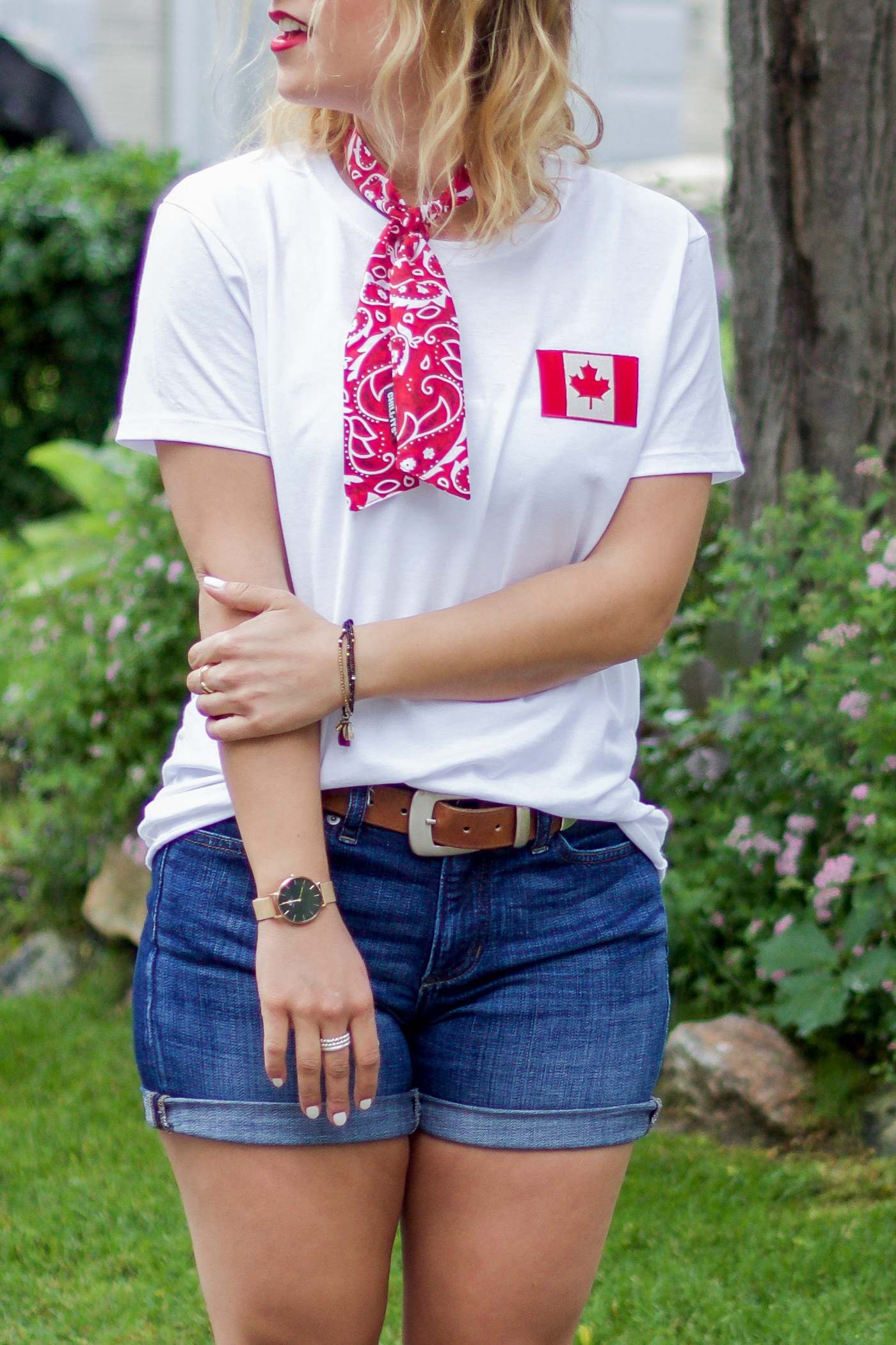 Canadian fashion and lifestyle blogger, Jackie of Something About That, is sharing some Canada Day 150 outfit inspiration, with items she bought on Amazon.ca