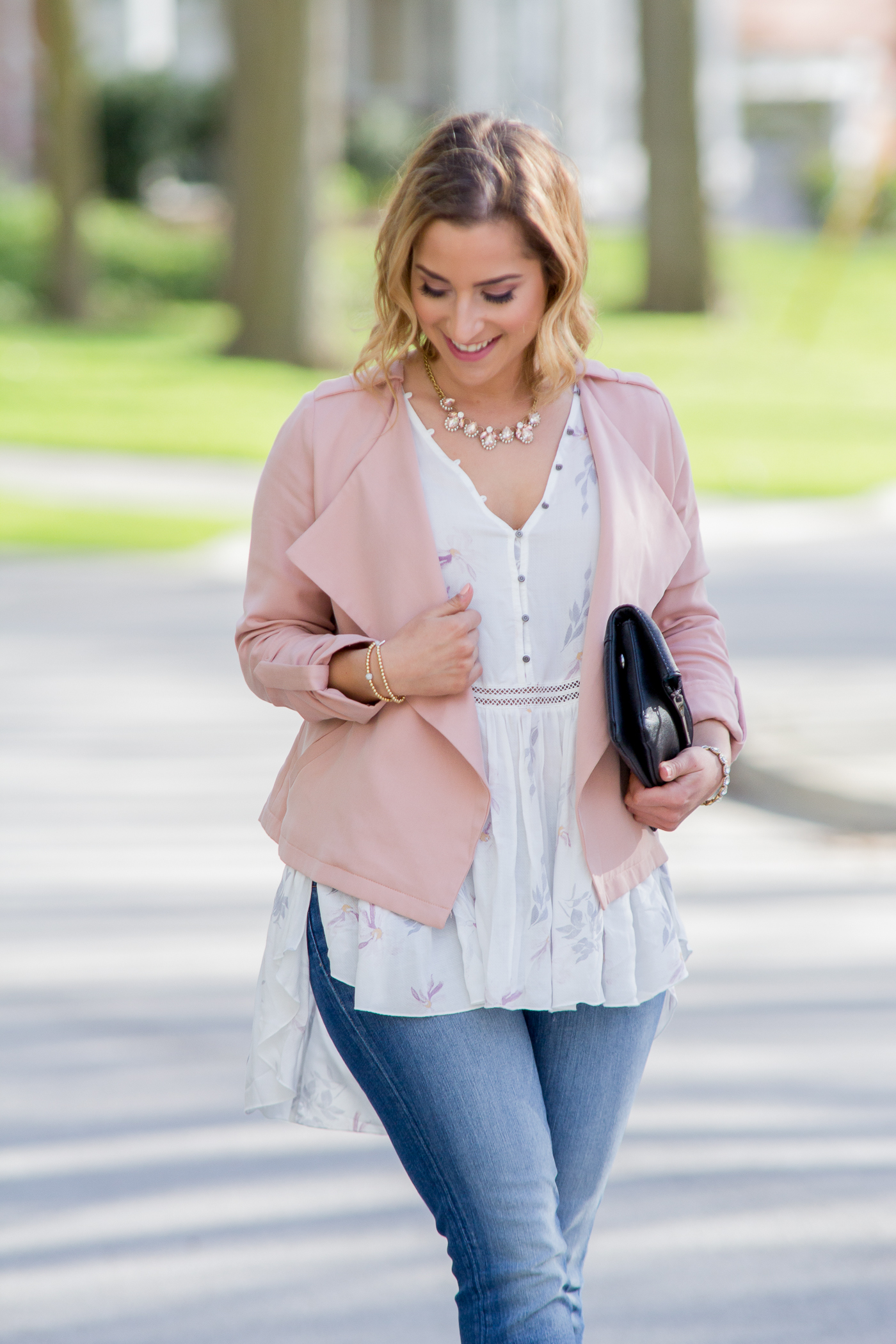 Summer outfit ideas from Lemonberry, like this pink jacket with a pretty blouse and 7FAM jeans