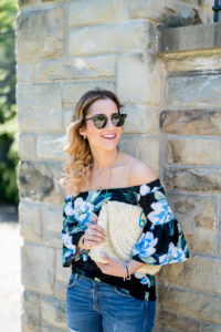 Summer outfit inspiration, on petite Canadian fashion blogger, Jackie Goldhar