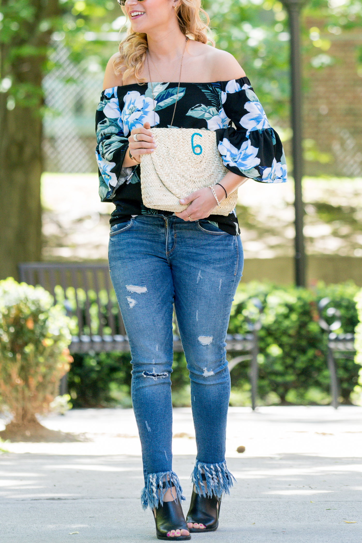 Canadian fashion blogger, Jackie of Something About That, wearing the L'Enveloppe Clutch - 6 from the Tuck Shop Trading Co. for summer