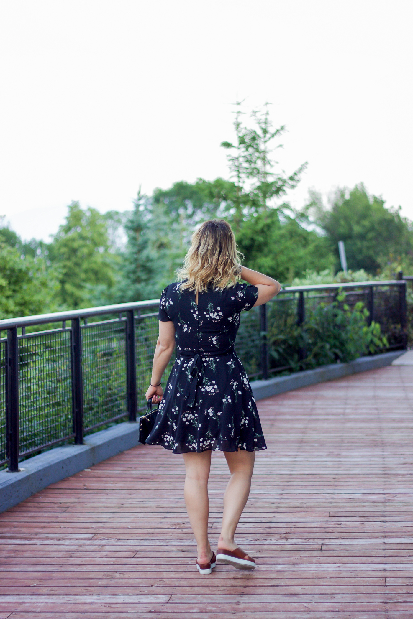 black floral dress summer outfit idea