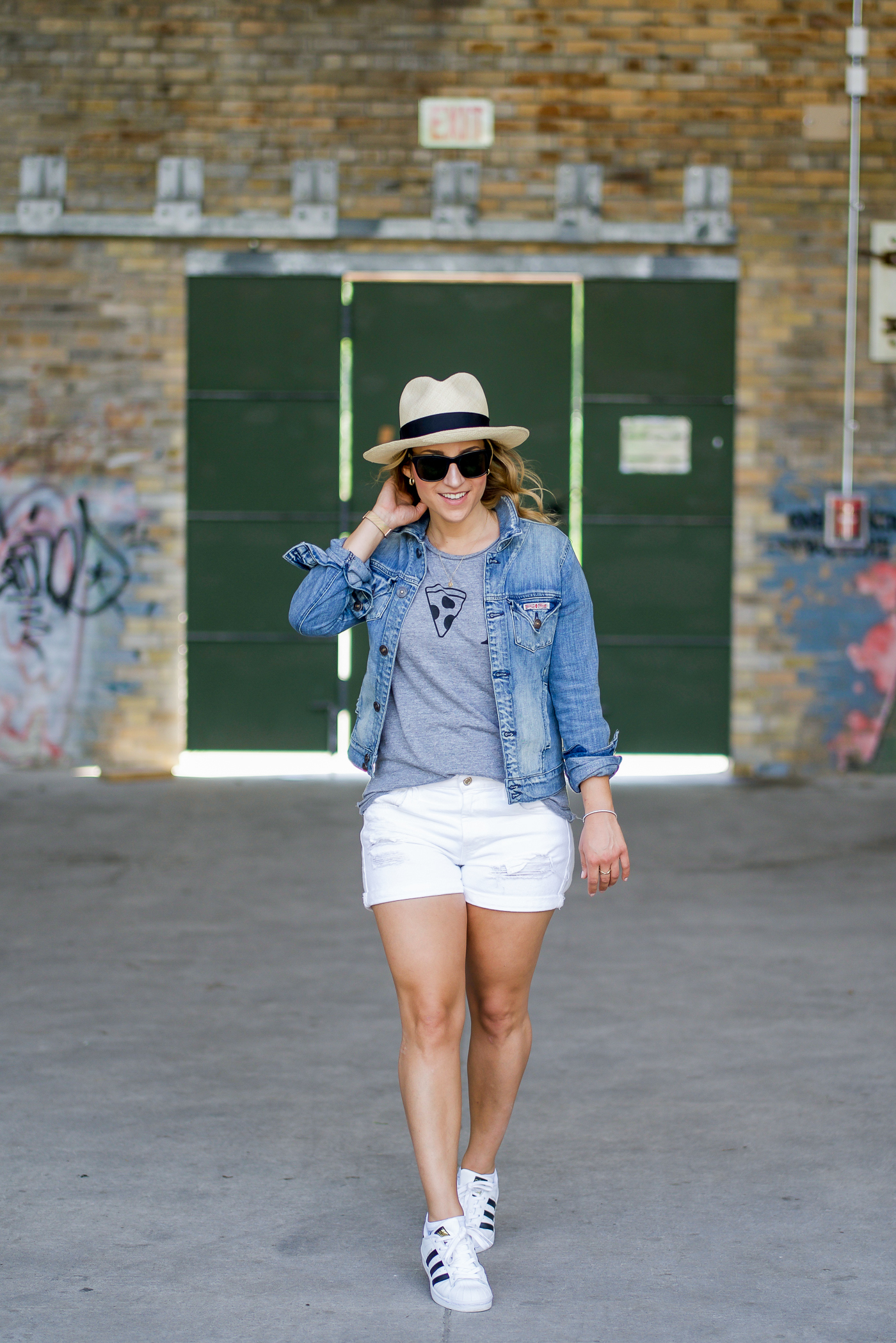 How to wear a graphic tee for summer, as seen on petite Canadian fashion blogger, Jackie at Something About That