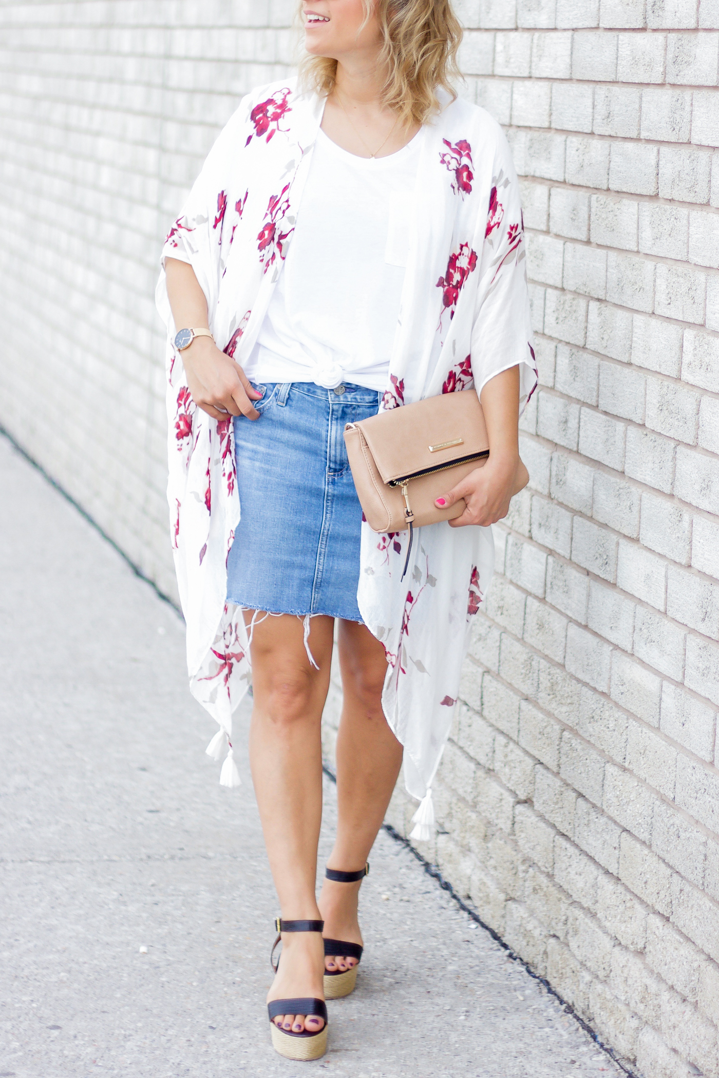 Summer outfit idea with a denim skirt