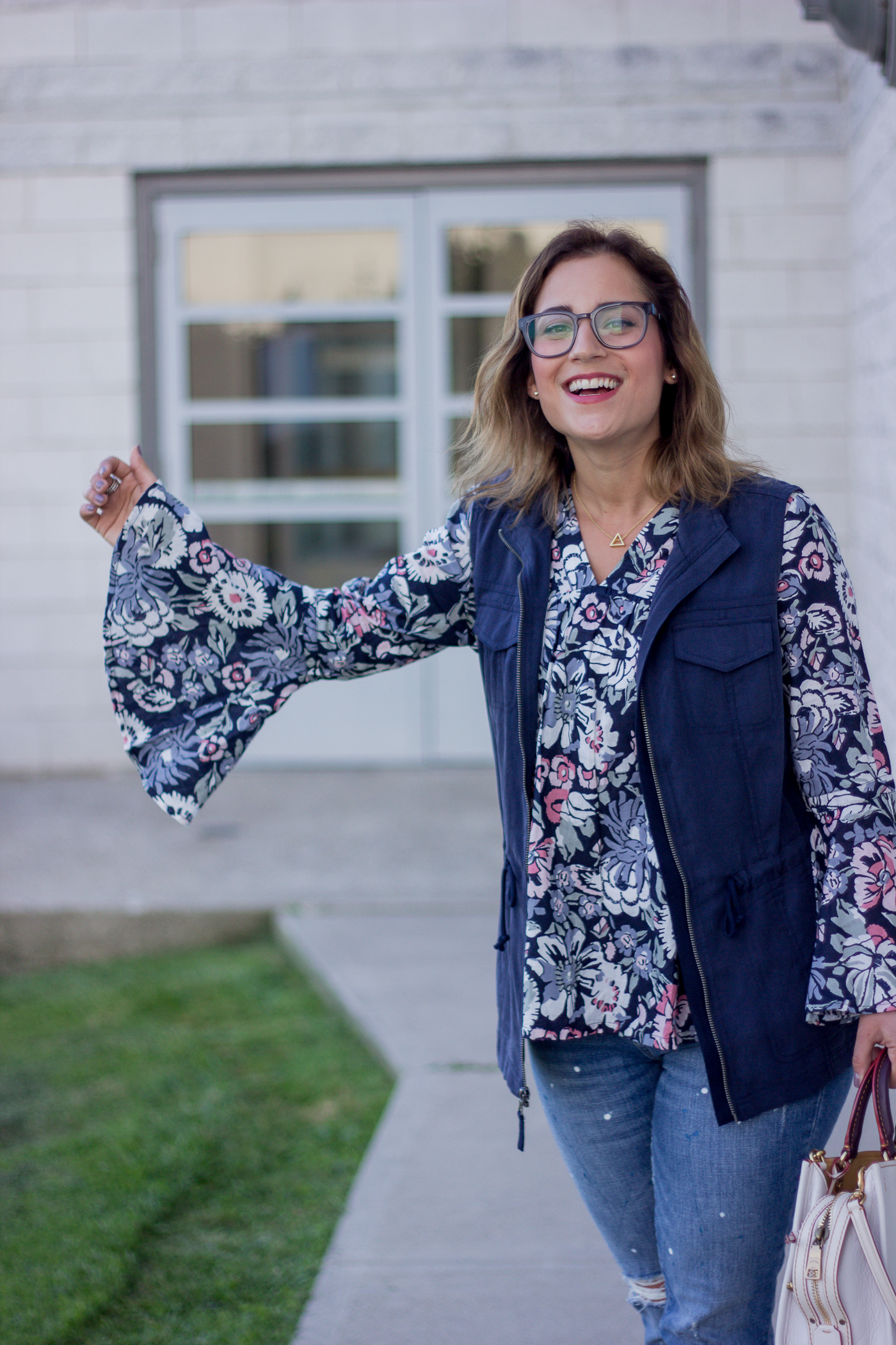 Floral Ella Moon Bell Sleeve Top from Amazon, worn by Toronto fashion blogger, Jackie Goldhar at Something About That
