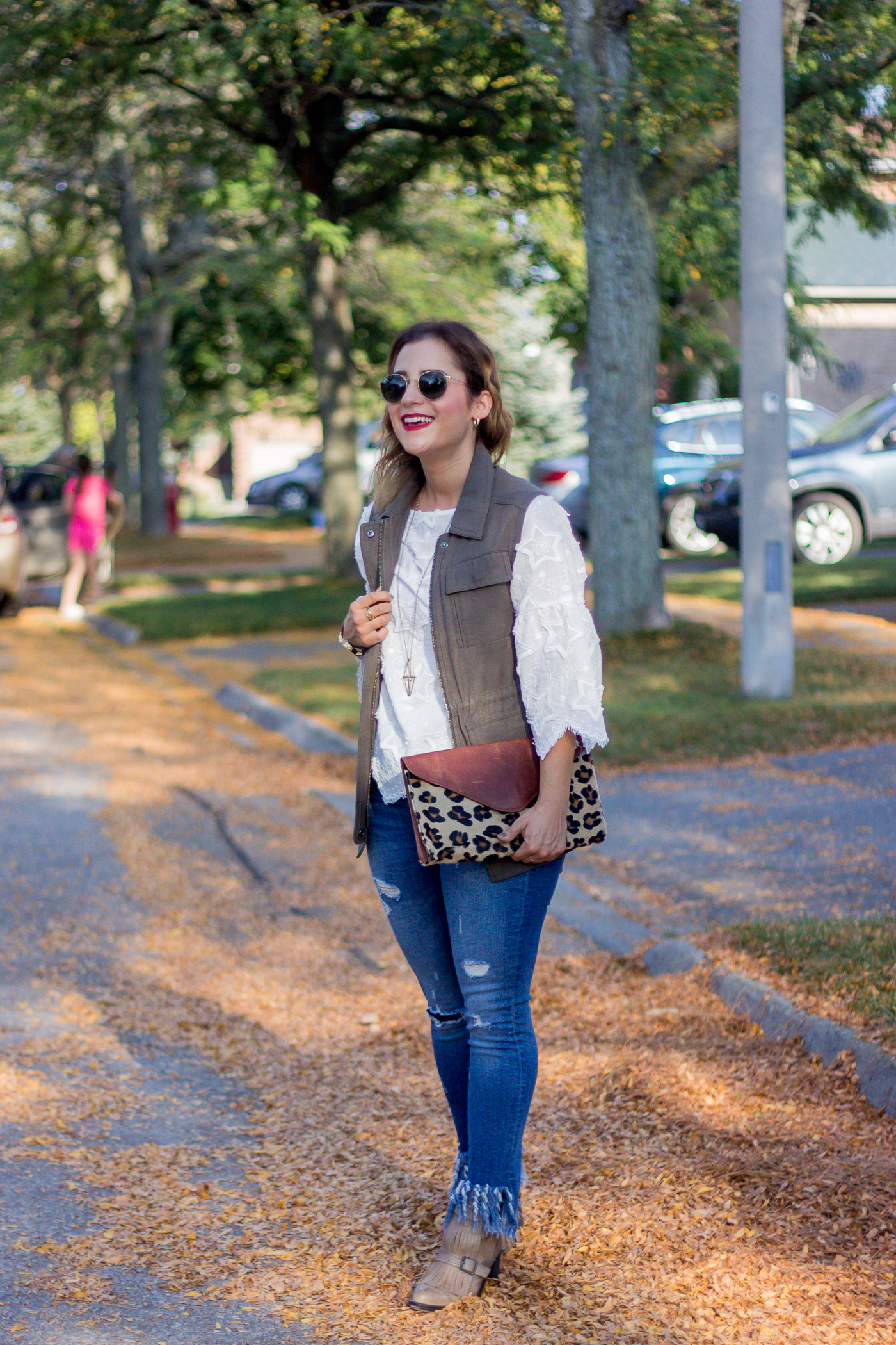 Cute, chic and casual fall outfit idea, as seen on Canadian lifestyle and fashion blogger, Jackie Goldhar