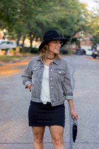 Petite fashion blogger, Jackie Goldhar, wearing the Joseph Marc Observation Aviator glasses from Clearly