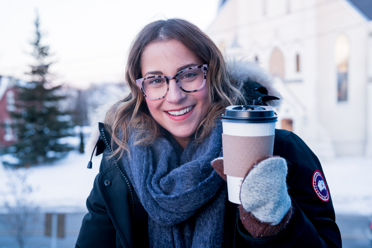 Canadian lifestyle blogger, wearing the Wednesday frames from Clearly and Coastal in Blush Tortoise