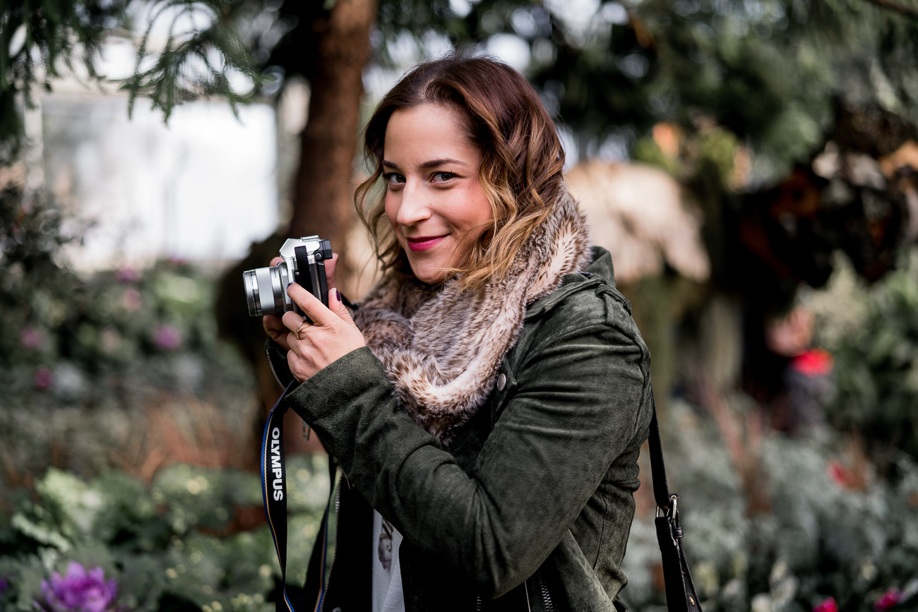 Jackie is a Toronto-based lifestyle and fashion blogger, who uses an Olympus Mark iii camera for her photos